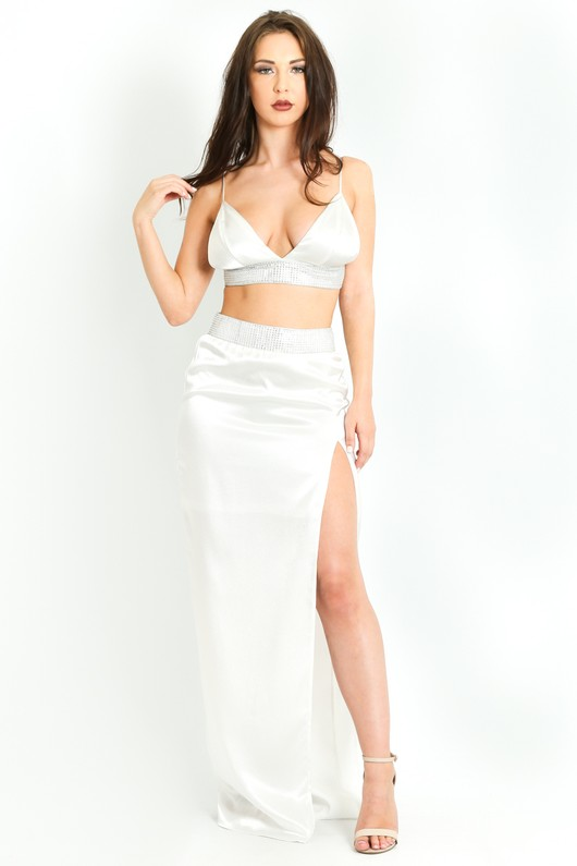 42ee21f0fc27 c/368/Embellished_Thigh_Split_Maxi_Skirt_In_White_-2__25213.jpg