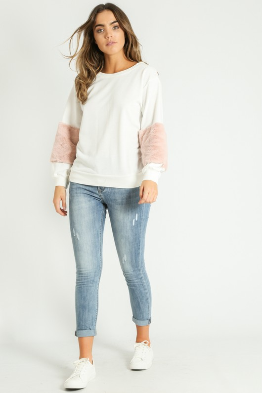o/925/Faux_Fur_Sweatshirt_in_white__88744.jpg