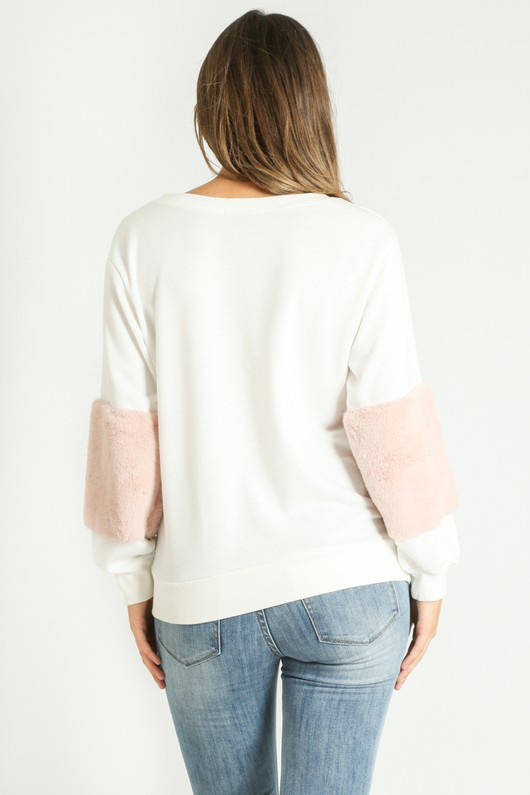 b/328/Faux_Fur_Sweatshirt_in_white-3__26825.jpg