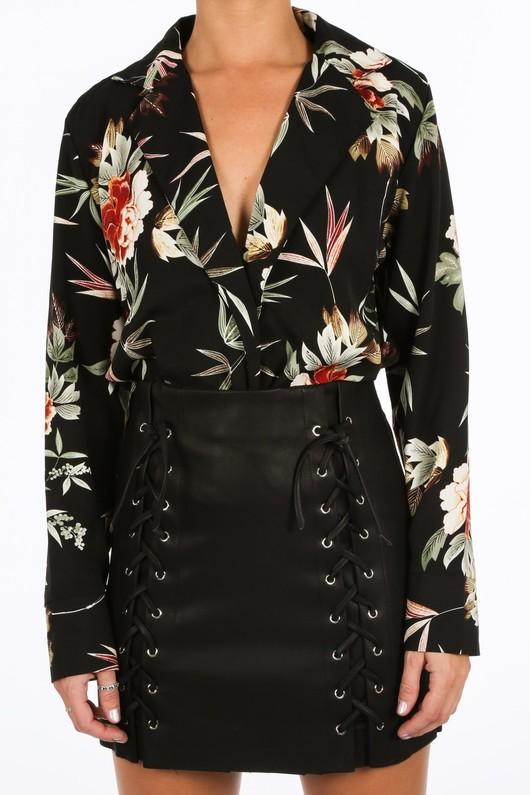 v/941/H203-_Floral_Collared_Bodysuit_In_Black4__75693.jpg