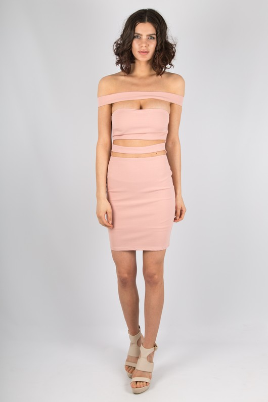 d51ea832ed41 Cut Out Off The Shoulder Bandeau Dress In Rose Pink