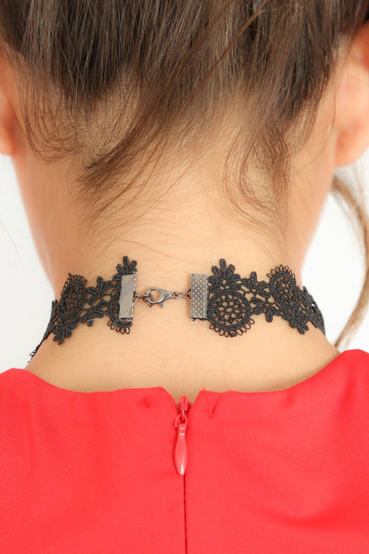 a/305/Lace_Choker_With_Jewelled_Cameo-3__30100.jpg