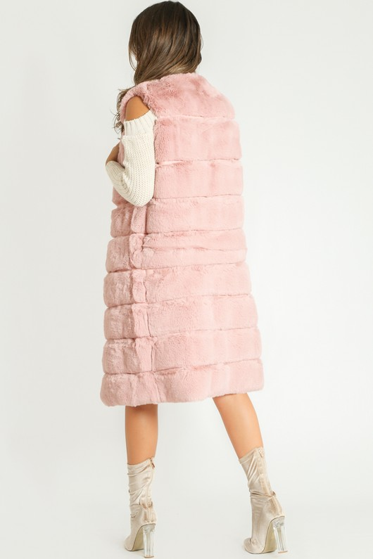 l/060/Long_Length_Short_Hair_Faux_Fur_Gilet_In_Pink-2__43934.jpg