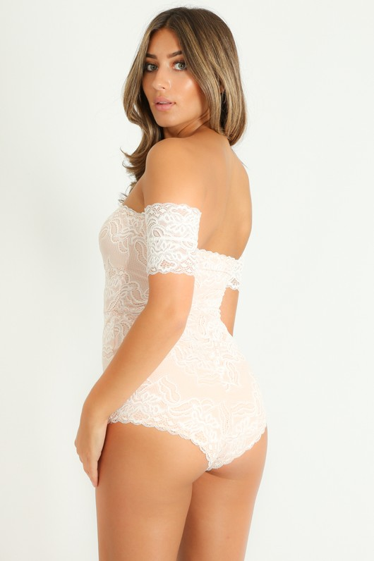 q/584/Off_The_Shoulder_Contrast_Lace_Bodysuit_In_White-4__46873.jpg