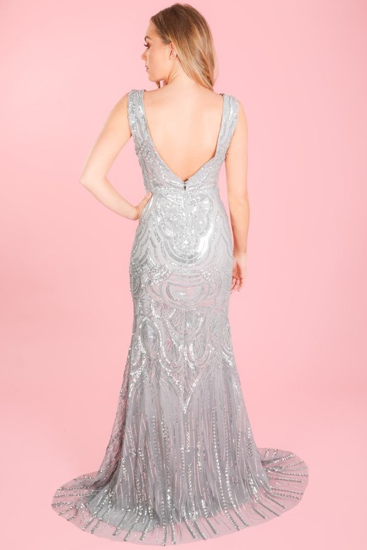 b/122/Sequin_fishtail_dress_in_silver-4-min__28048.jpg