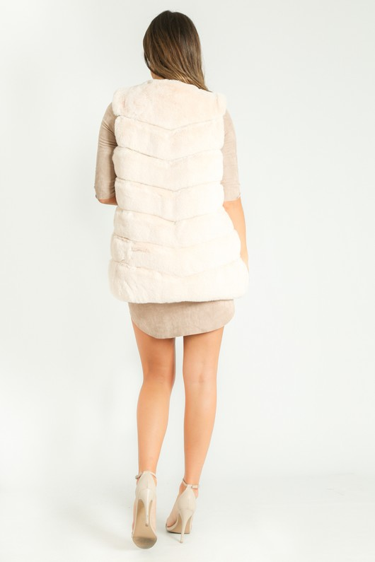 u/581/Short_Hair_Gilet_in_Cream-4__60078.jpg