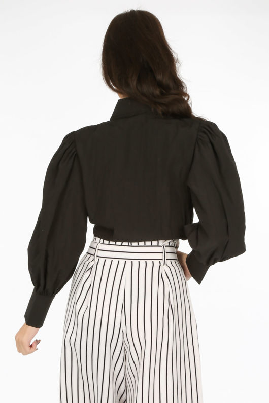 Black Tie Front Cropped Shirt