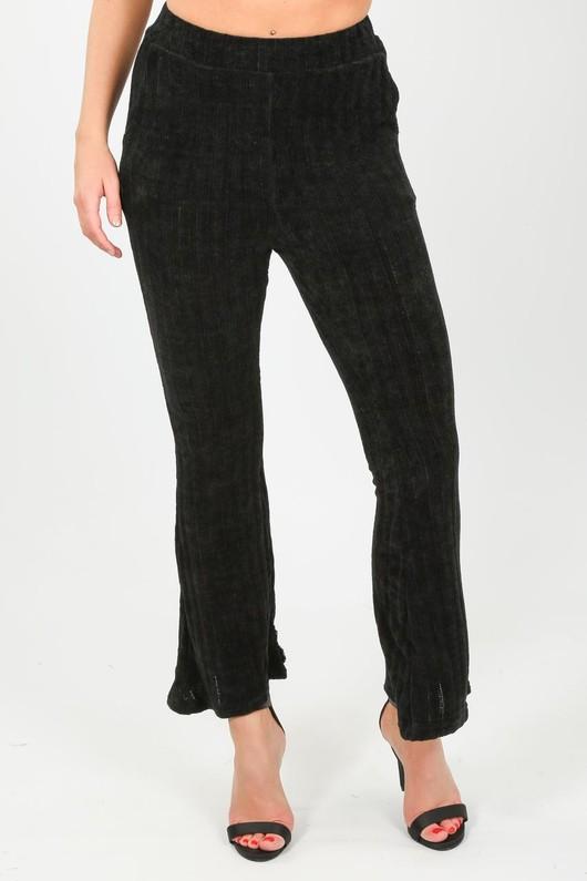 q/375/Velvet_flared_trousers_in_black-min__56414.jpg