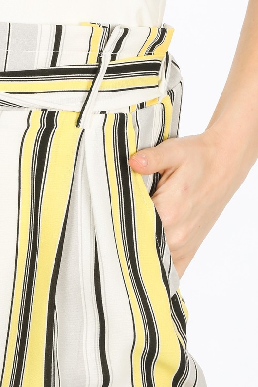 y/412/W147-1-_Striped_Shorts_In_Yellow-7__48139.jpg