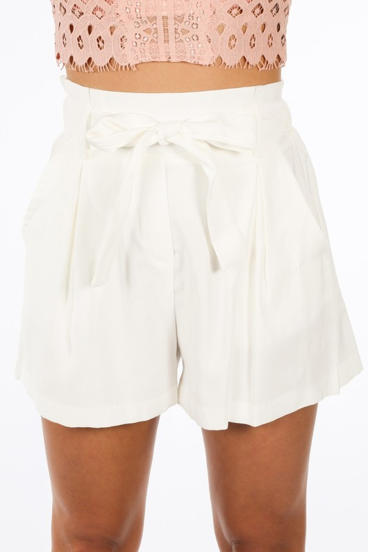 r/593/W1476-_Paper_Bag_Shorts_In_White-7__52248.jpg