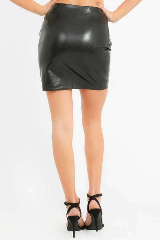 n/002/W1520-_PU_Ruched_Skirt_In_Black-8-min__67117.jpg