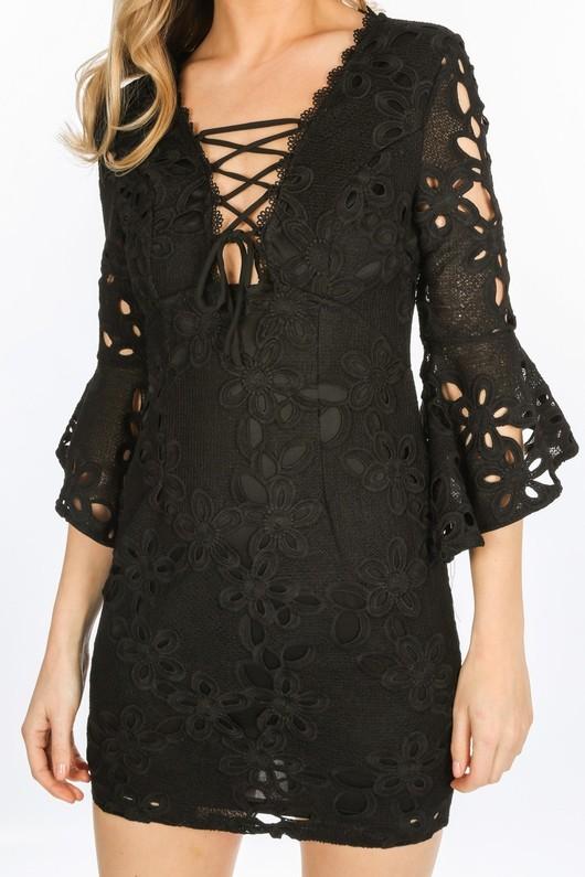 o/115/W1640-_Crochet_Bell_Sleeve_Dress_In_Black-5__64453.jpg