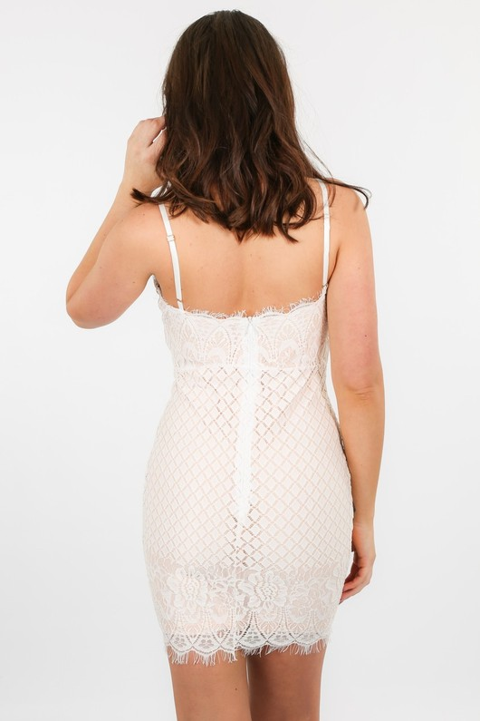 x/278/W2382-_Contrast_Lace_Dress_In_White-3__67858.jpg
