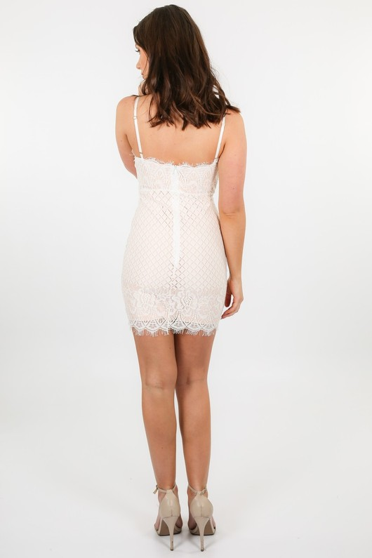 o/527/W2382-_Contrast_Lace_Dress_In_White-4__49555.jpg