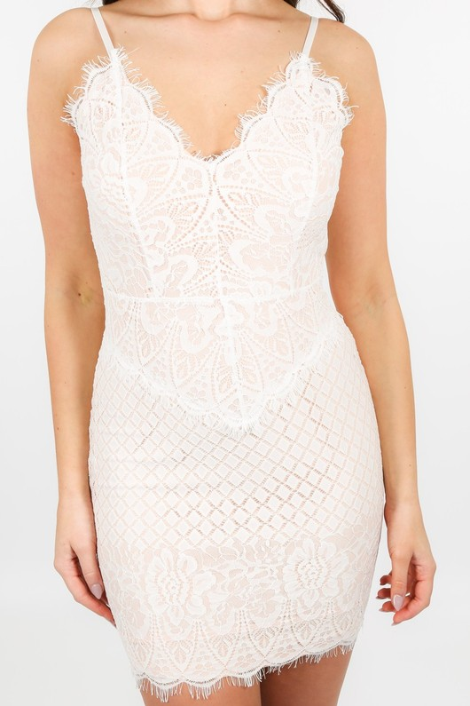 a/898/W2382-_Contrast_Lace_Dress_In_White-5__05103.jpg