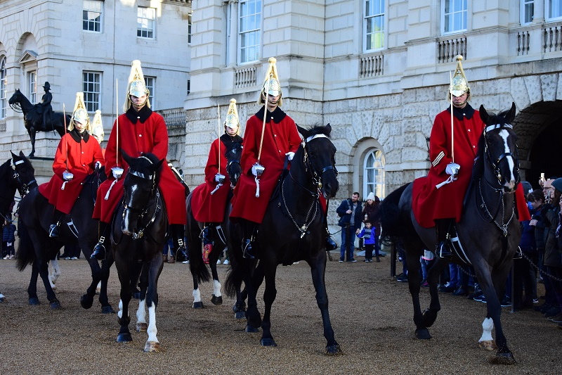 Guards outside Buckingham Palace