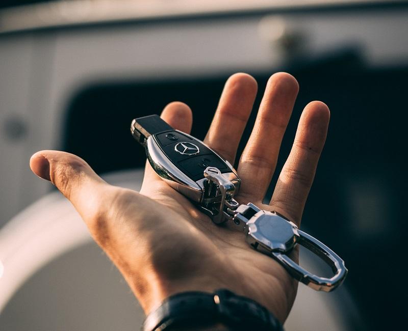 Locking the car door
