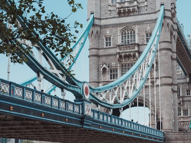 Tower Bridge colour scheme