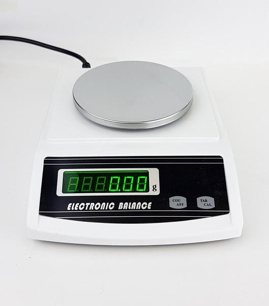 Balance, Precision - 2000g x 0.01g (European)