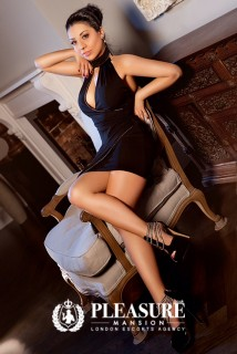 Aleeza | Escorts Central London