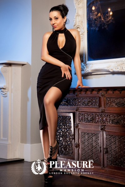 Aleeza - Escorts Central London