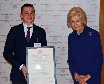 Jordan Anderson receiving the RHS award from Princess Alexandra