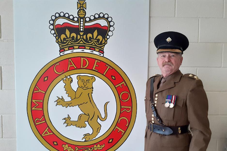 Lt Stephen Lyons