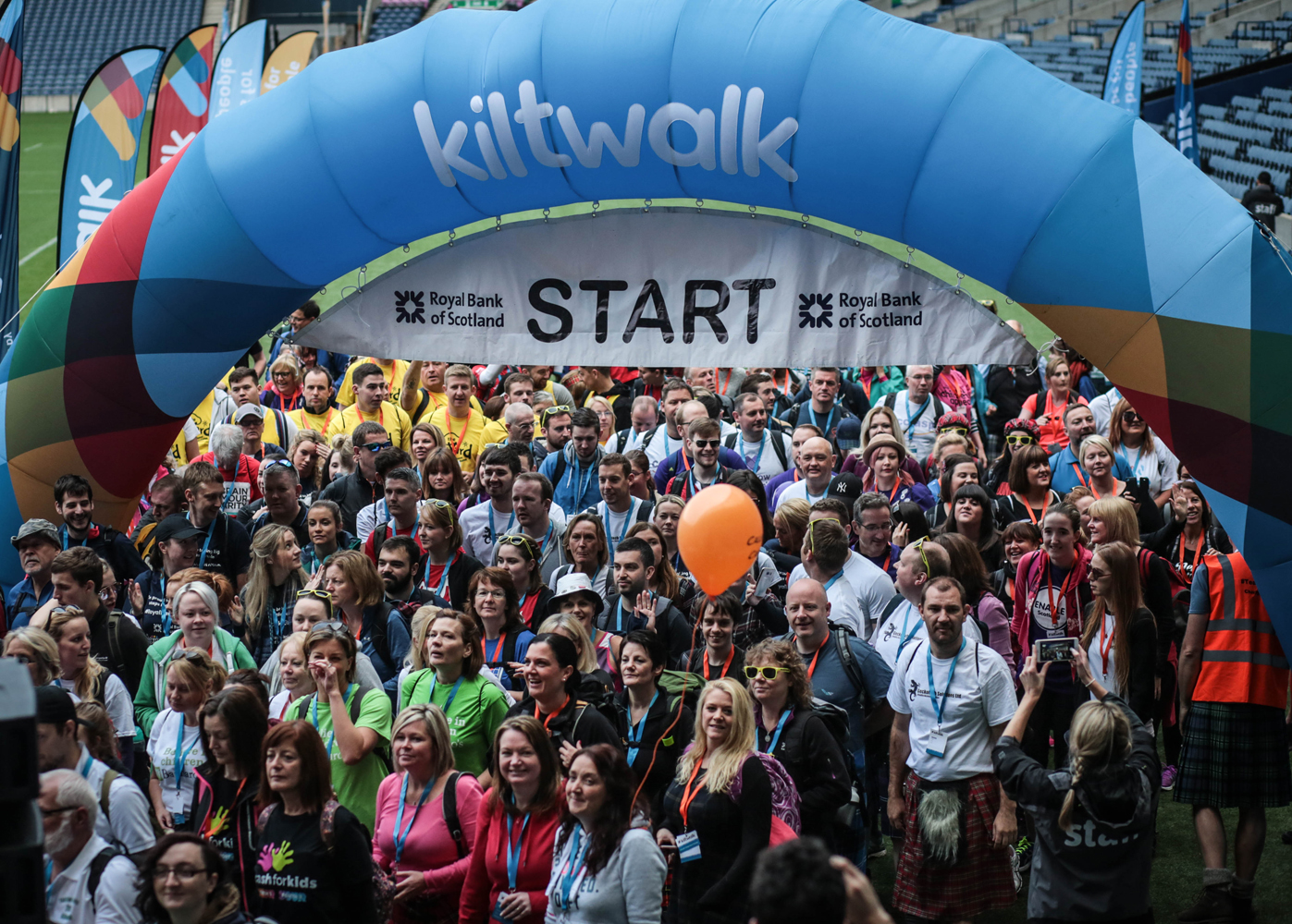 Kiltwalk Crowded Edinburgh Start 1