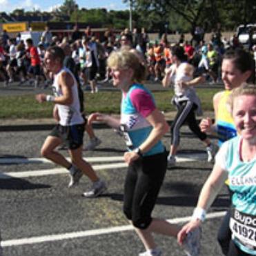 Run In An Autumn Half Marathon Hero