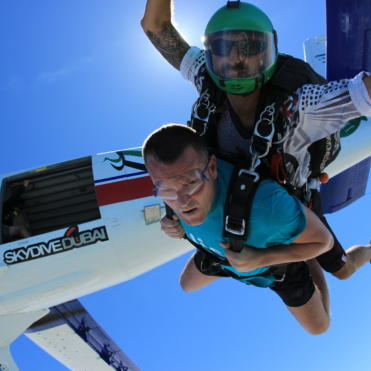 Supporter doing a tandem skydive
