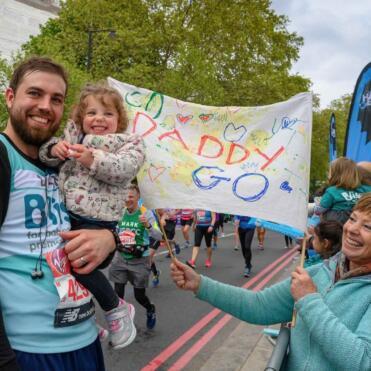 london marathon runner and family
