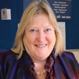 Dr Mairi McLean