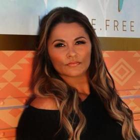 Gina Ozhuthual - Bohemian Mama