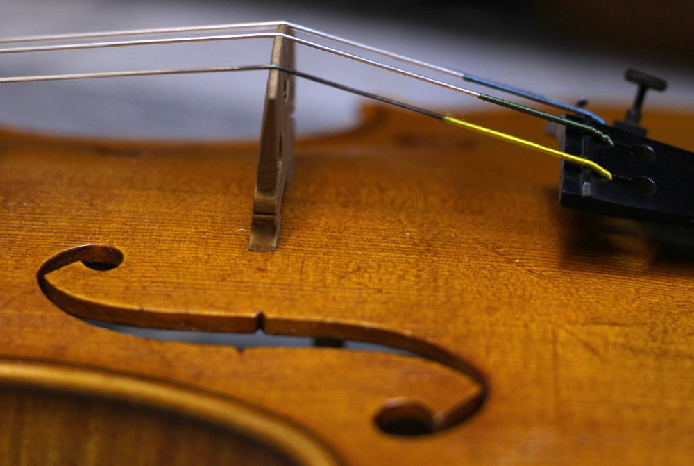 How to restring a violin step 1