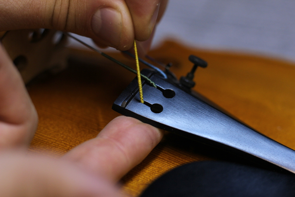 How to change a violin string step 4