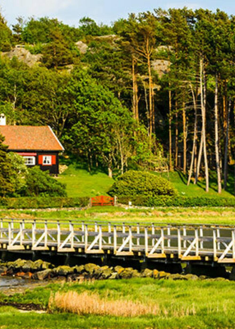 Green Motion Car Rental Sweden Gothenburg Aröd Downtown 1400x400