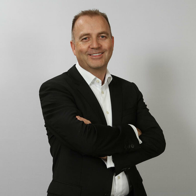 IT Green Motion Car Rental CEO Richard Lowden 767x767