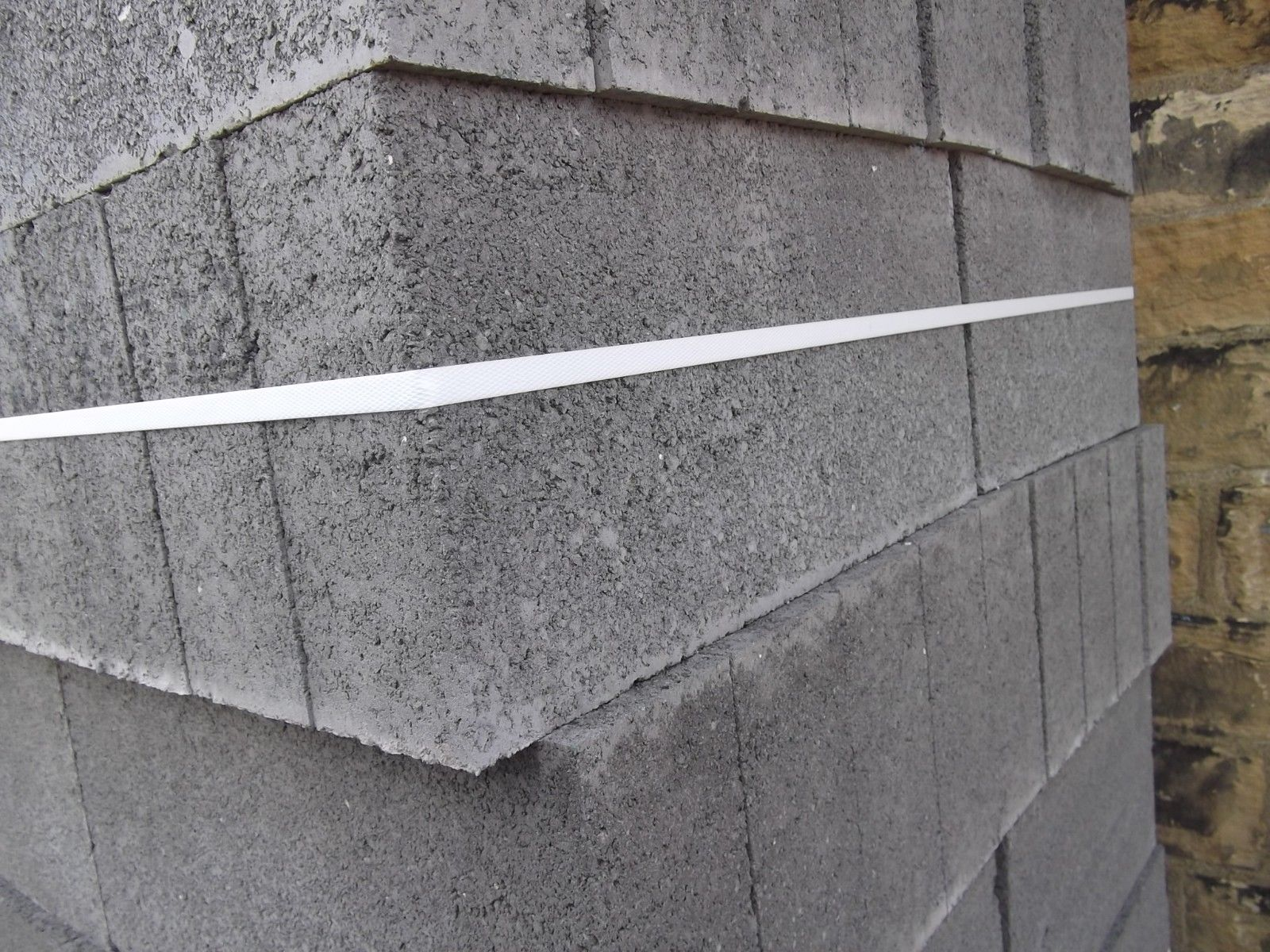 100mm Solid Dense Concrete Block 7N (Breeze Block 100mm 7N alternative) NORTH PRICES ONLY 440x215x100mm Pack of 72 blocks