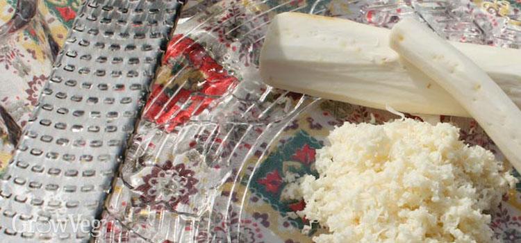 Grated horseradish root