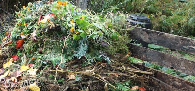 A layered compost heap