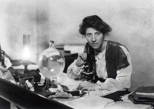 Dr Marie Stopes in her laboratory 1904