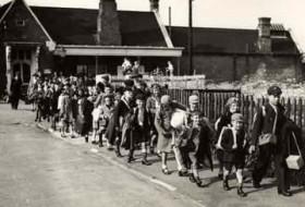 Photograph of evacuees arriving at Bingham