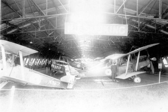 Black and white photograph of First World War aircraft