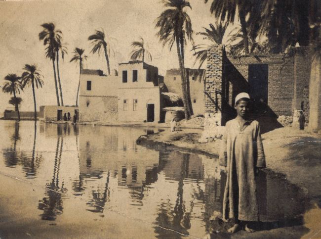 Photograph of an Egyptian village by the Suez Canal during WW1