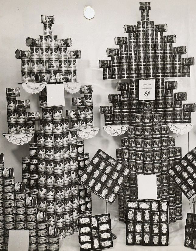 1930s M&S Shop Display