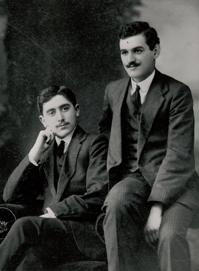 Black and white photo of Simon Marks and Israel Sieff in their twenties