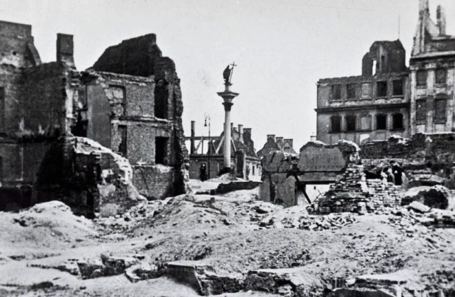 Ruined buildings in Warsaw at the end of World War II