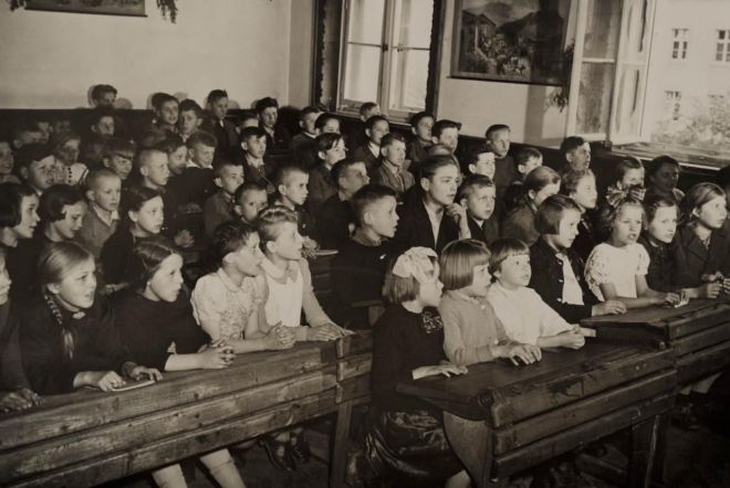 A class of schoolchildren in postwar Poland