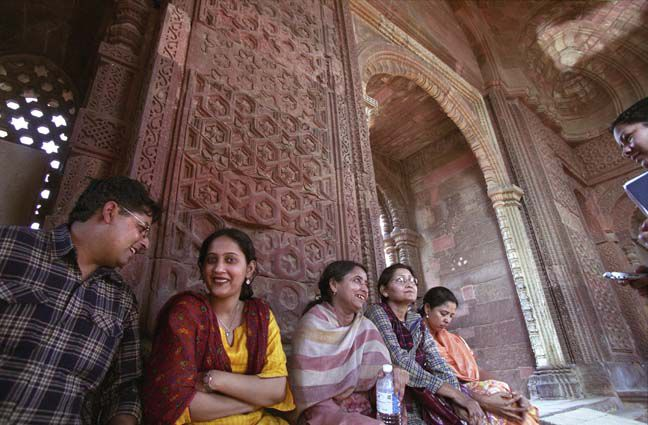 Irna Qureshi interviews family relaxing in Delhi tourist attraction