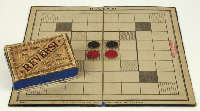 Old board game with counters called Reversi